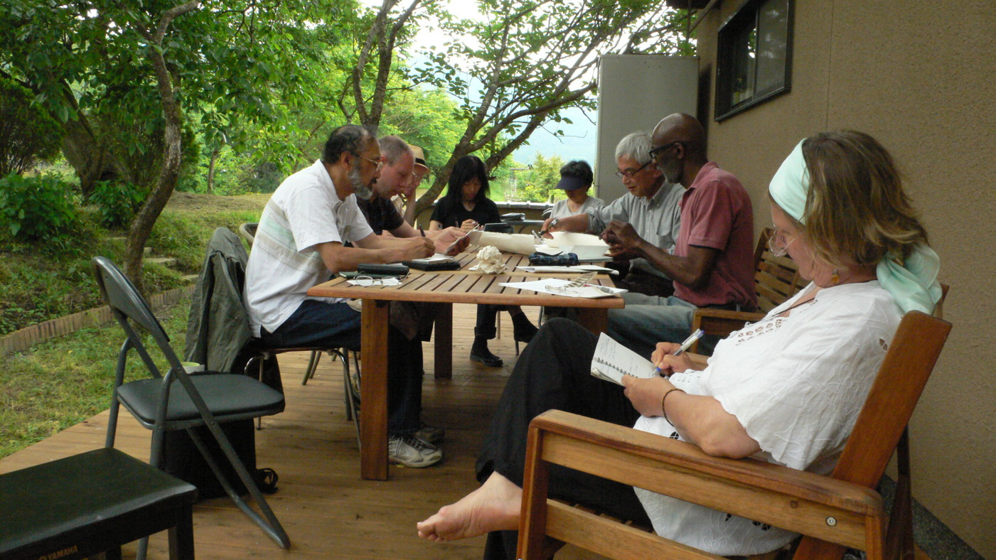Composing a linked verse from haiku written on a 2010 ginko in Ohara, Kyoto